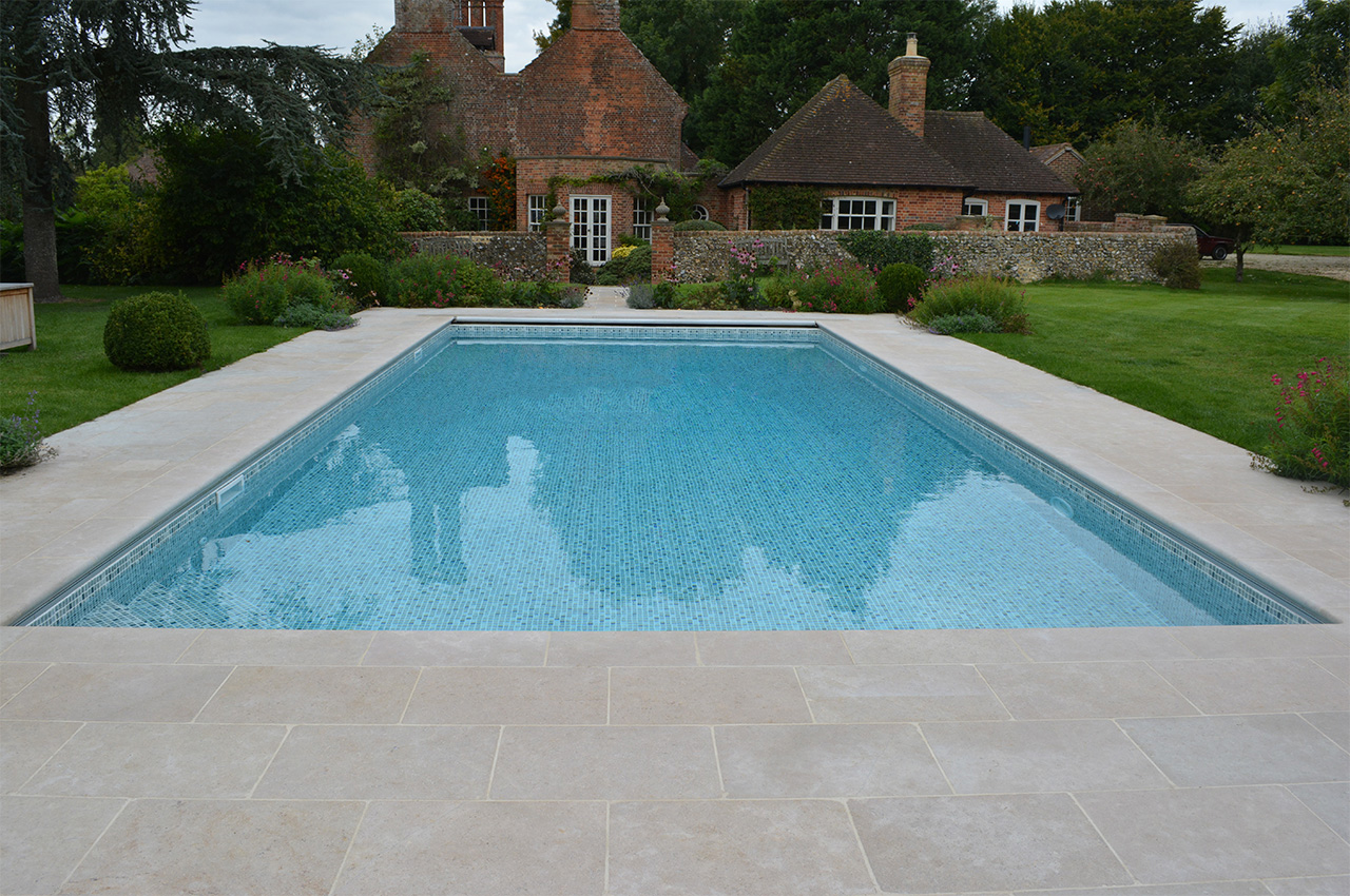 Cranbourne stone the uk s leading specialist in swimming for Stone swimming pool