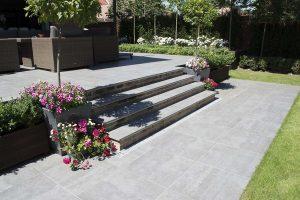 Garda porcelain tile steps with 600x600 paving