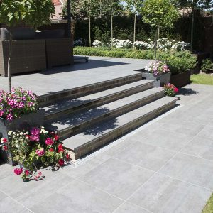 Garda porcelain tile steps with 600x600 paving