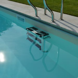 Travertine Tumbled and Unfilled pool copings with a bullnosed edge.