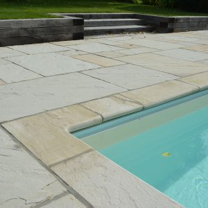 Cotswold Mint pool copings and surround