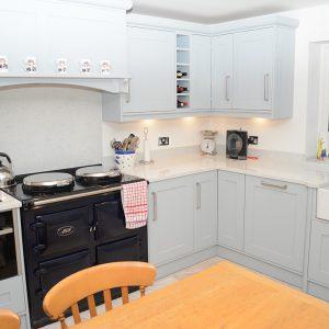 Bespoke kitchen worktop with bonded overlip in Lapitec