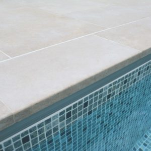Fossil Pearl Satin Limestone swimming pool coping 600xx300x30mm